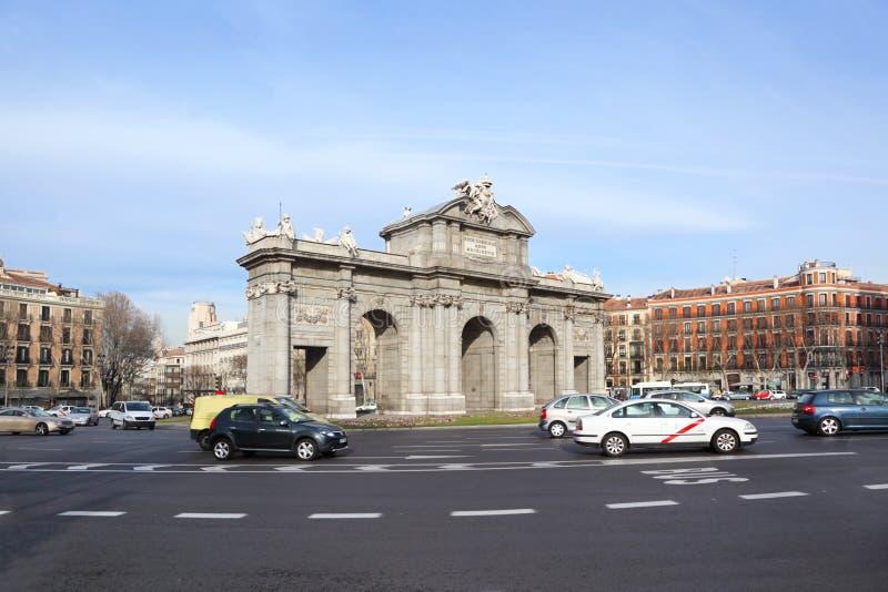 Ärke- Puerta de Alcala på självständighet av Spanien fotografering för bildbyråer