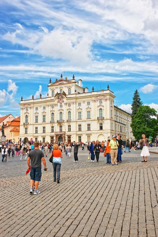 Ärkebiskop Palace i den Prague slotten arkivfoton