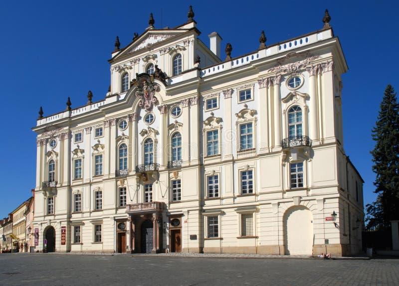 Ärkebiskop Palace, Prague, Tjeckien royaltyfria bilder