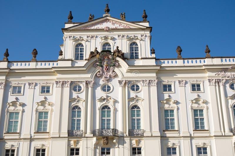 Ärkebiskopslott, Prague, tjeckisk republik royaltyfri foto