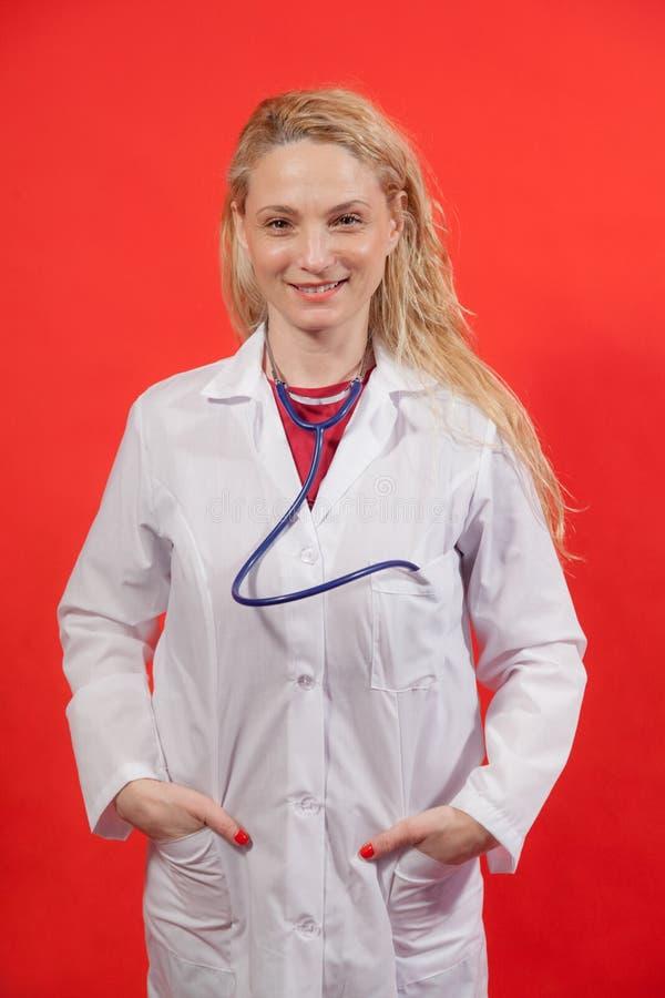 Ärztin Portrait lizenzfreie stockfotografie