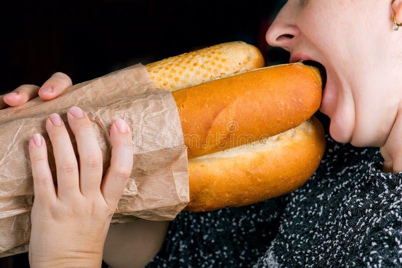 Äta för bagett royaltyfri fotografi