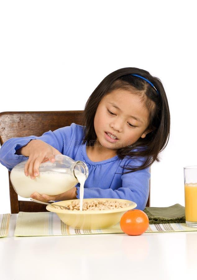 äta för frukost fotografering för bildbyråer