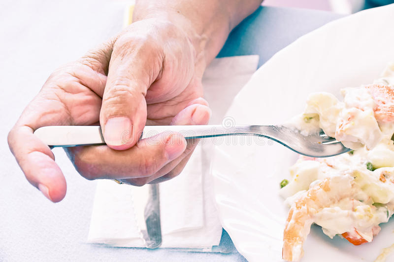Äta för gammal kvinna arkivfoton