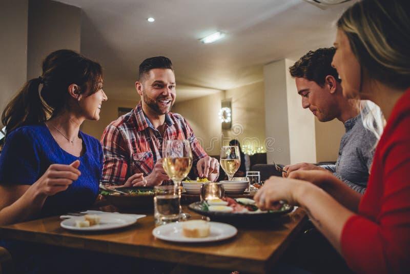 Äta middag för dubbelträff royaltyfri foto