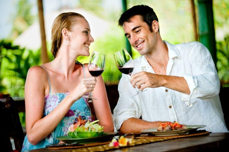 Äta middag för par fotografering för bildbyråer