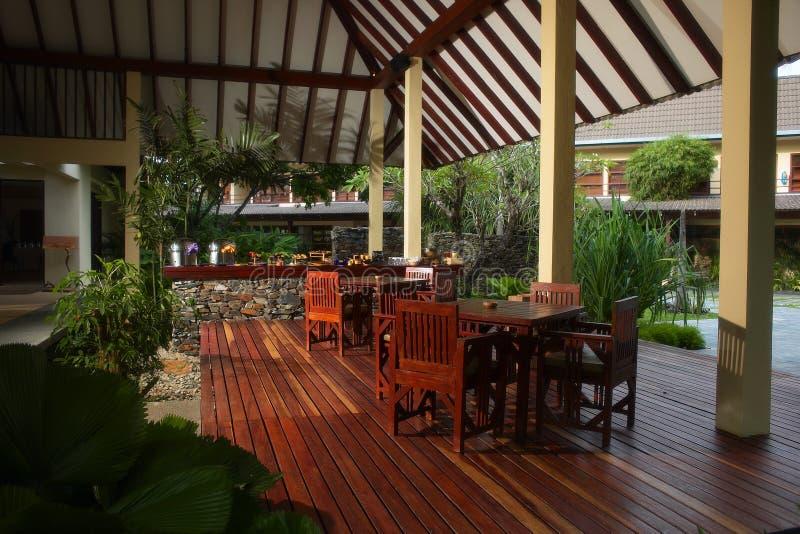 Äta middag för veranda arkivfoto