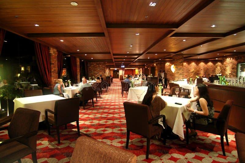 äta middag fin hotellrestaurang arkivbilder