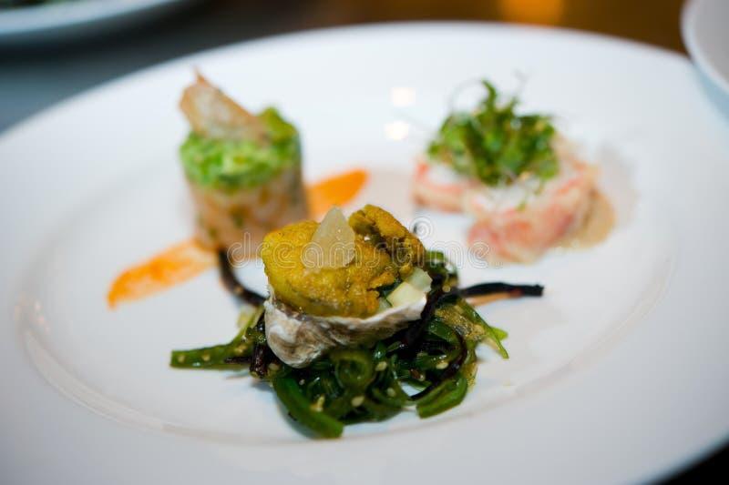 äta middag fina sushi royaltyfri foto