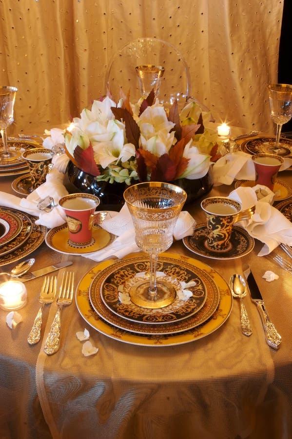 äta middag formell ställelokalinställning royaltyfri foto