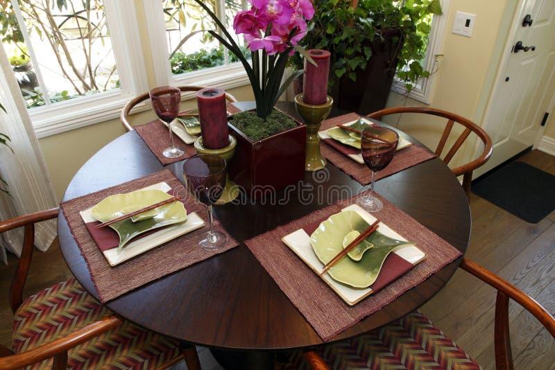 äta middag home lyxig tabell arkivfoton