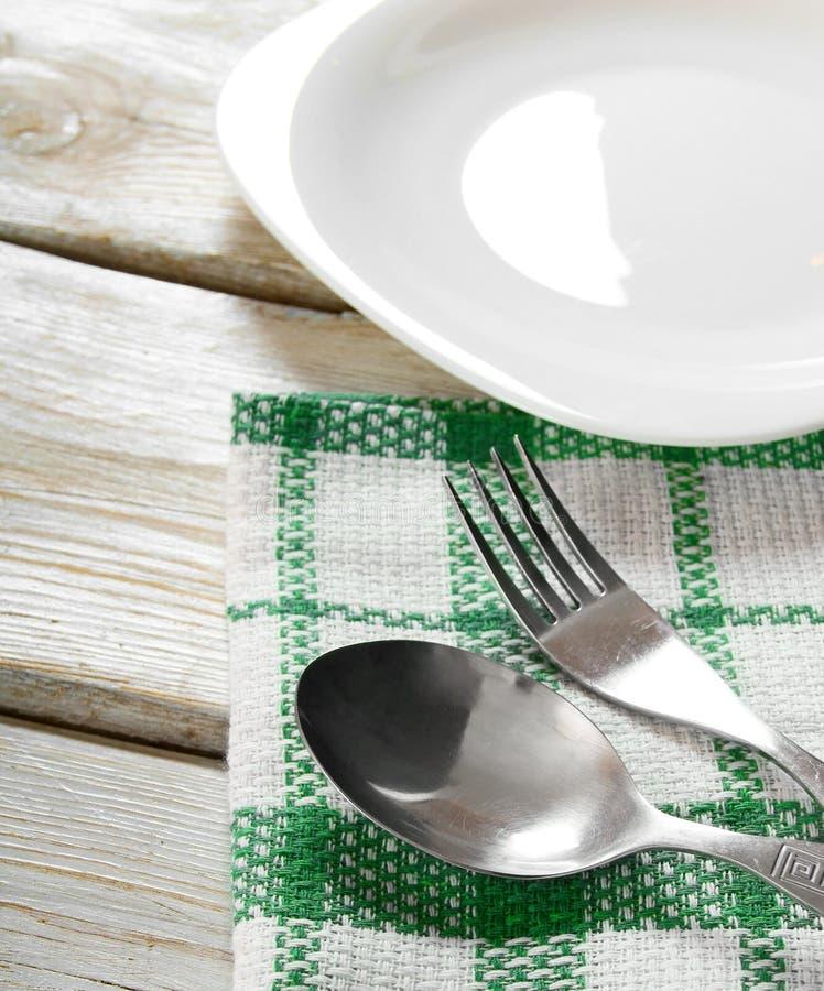 Äta middag lättheter och plattan. fotografering för bildbyråer