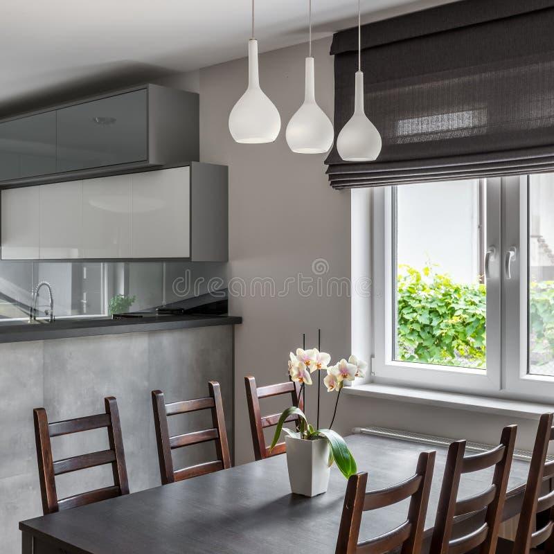 Äta middag område med fönstret fotografering för bildbyråer