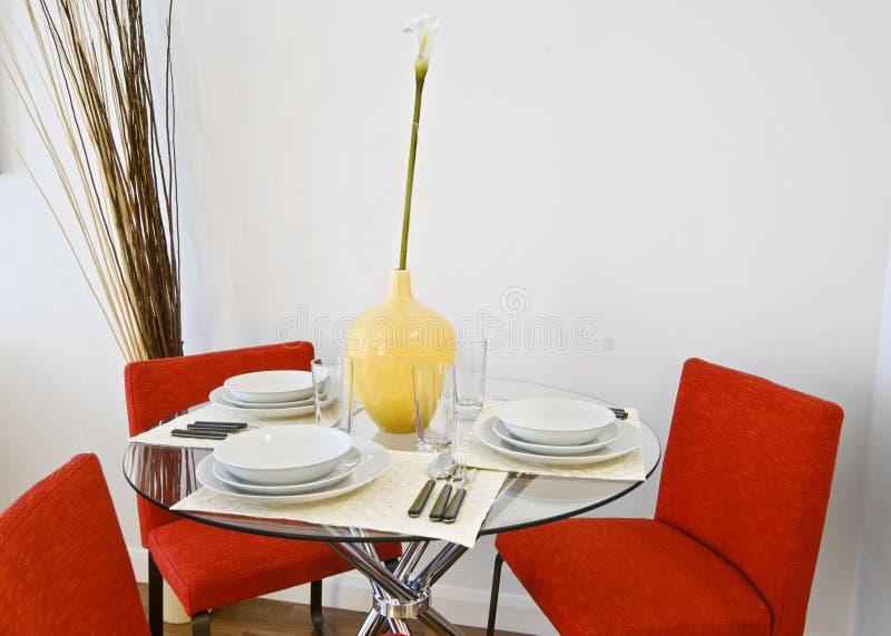 äta middag tabell arkivbild