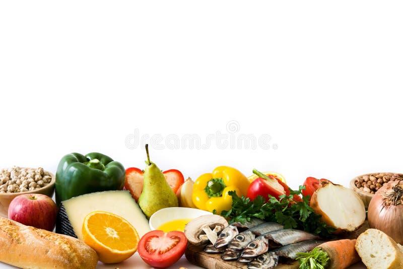 äta som är sunt banta medelhavs- Isolerade frukt och grönsaker arkivfoto