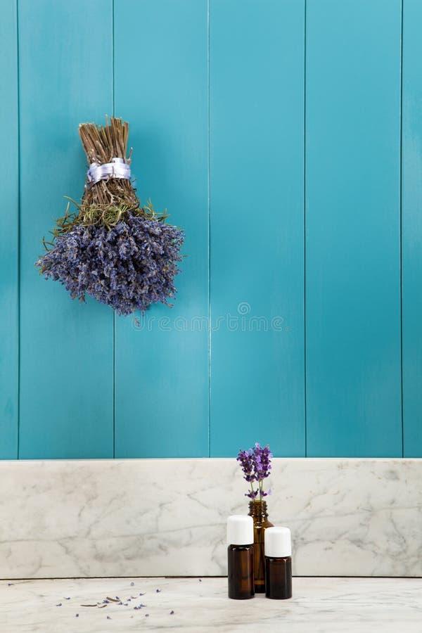 Ätherisches Öl des Lavendels lizenzfreies stockfoto