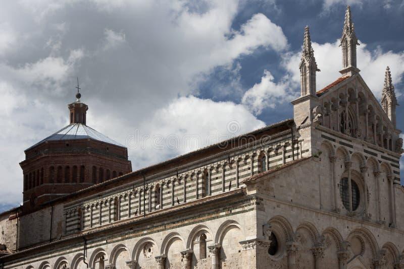 Äußere Ansicht von Kathedrale Massa Marittima lizenzfreie stockfotos