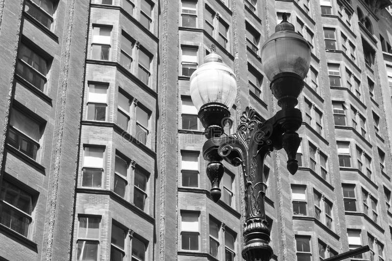 Äußere Lampe auf einer Straße von Chicago stockfotos