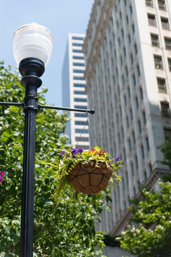 Äußere Lampe auf einer Straße von Chicago stockbild