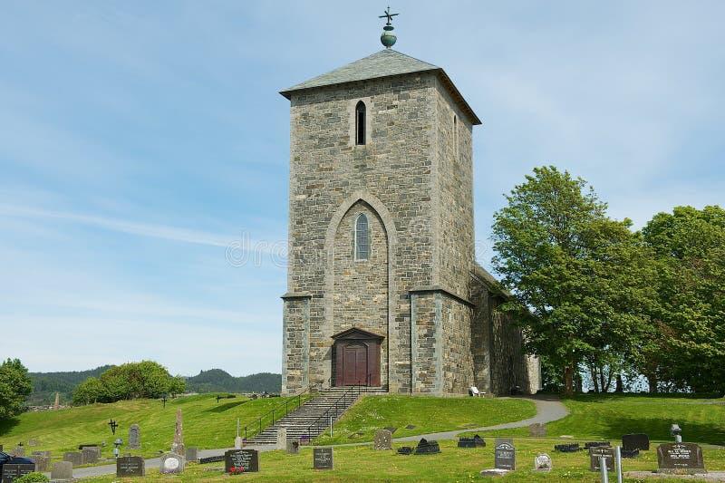 Äußeres des der Kirche St. Olavs bei Avaldsnes in Kamroy, Norwegen lizenzfreie stockbilder