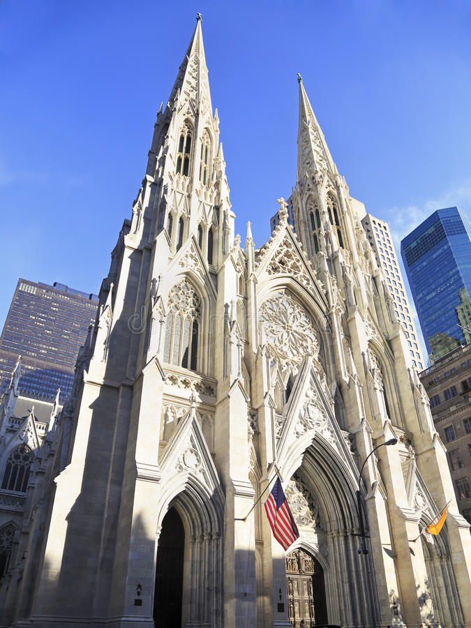 Äußeres von St Patrick u. von x27; s-Kathedrale in New York City lizenzfreie stockfotografie