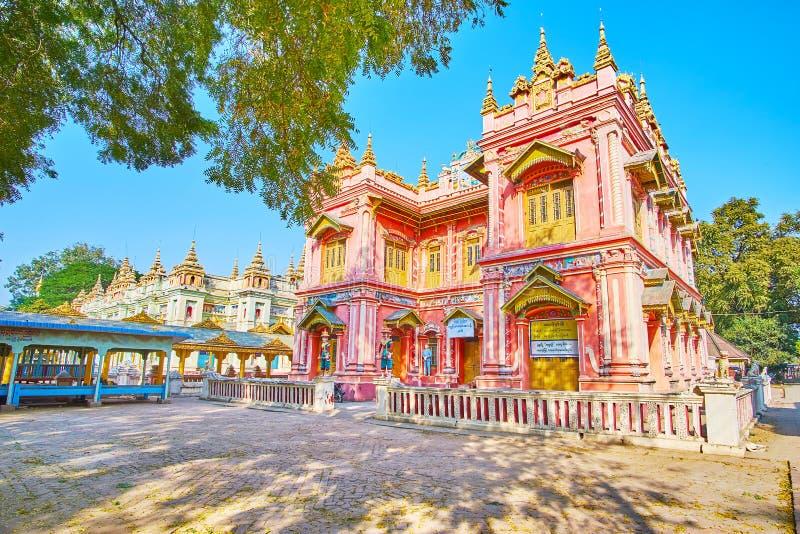 Äußeres von Tiger Dispensary, Thanboddhay-Kloster, Monywa, Myanmar stockbilder