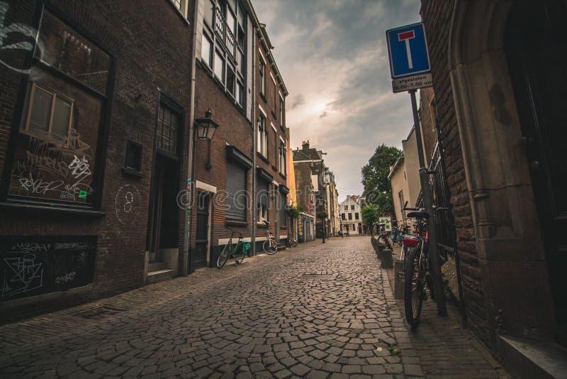 偏僻的小街在鹿特丹,荷兰 库存照片