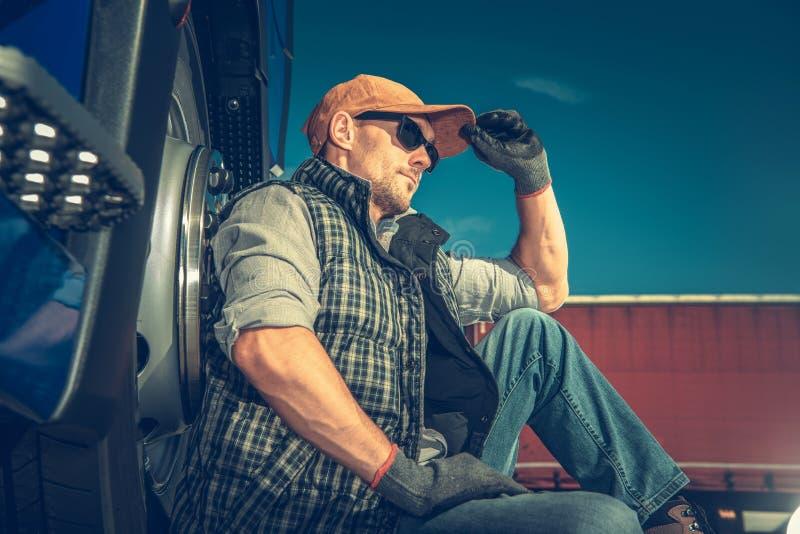 半卡车司机断裂 免版税库存照片