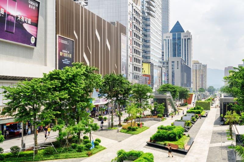华强北部路的,深圳,中国电子商店 库存照片