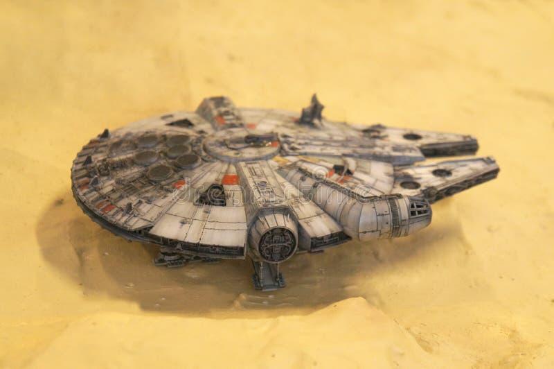 千年隼号从争霸特权电影的太空船比例模型  图库摄影