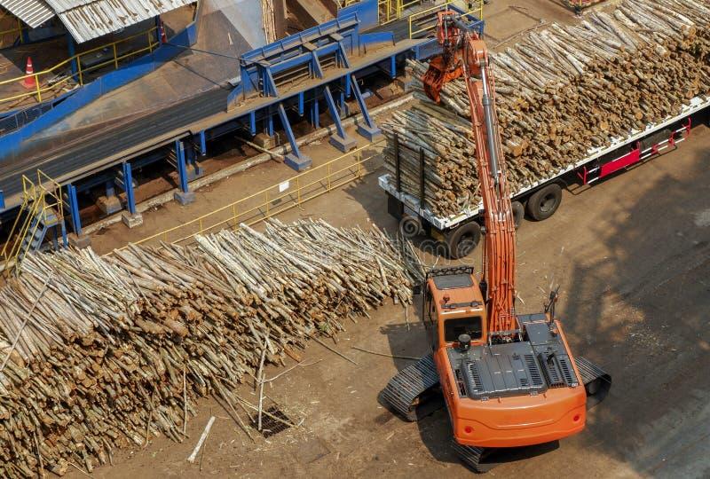 叉架起货车在工厂设备 免版税库存照片