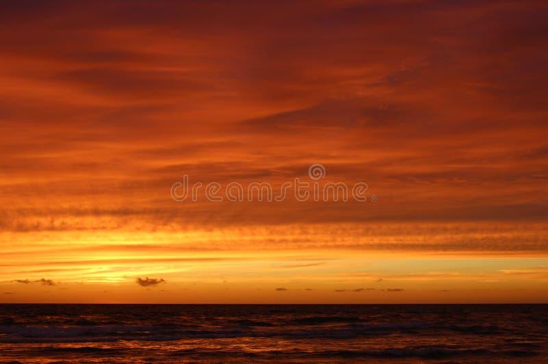 壮观在Lokken,日德兰半岛北部,丹麦海滩的日落天空以后  免版税库存图片
