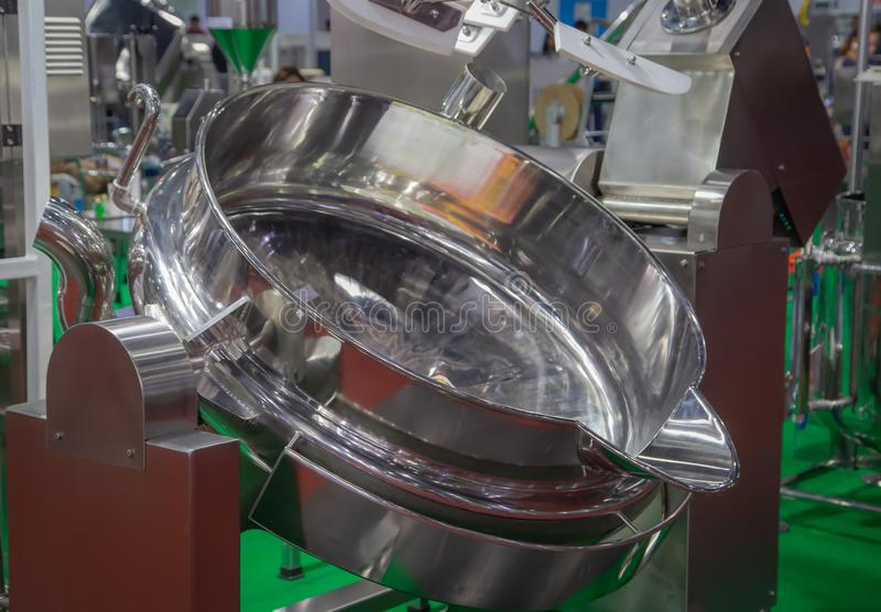 大不锈钢烹调罐 免版税库存照片