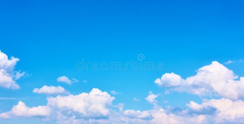 天空的全景与云彩的 免版税图库摄影