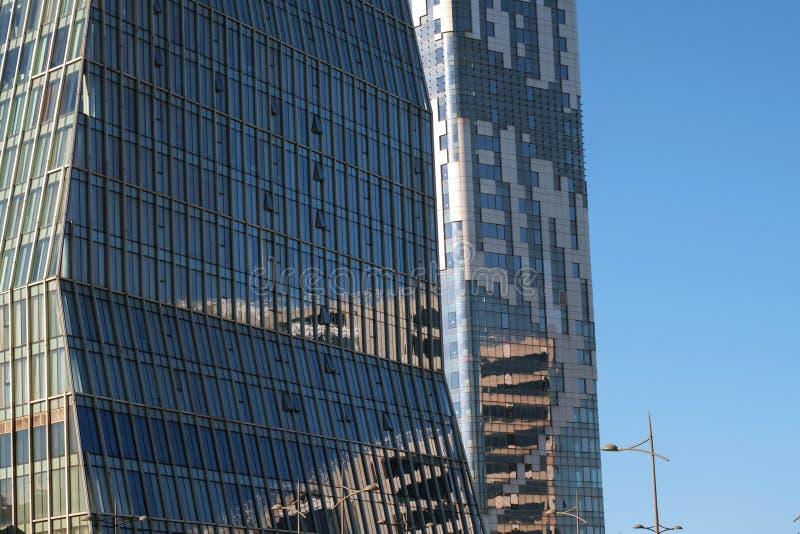 外部现代的办公楼 免版税库存照片