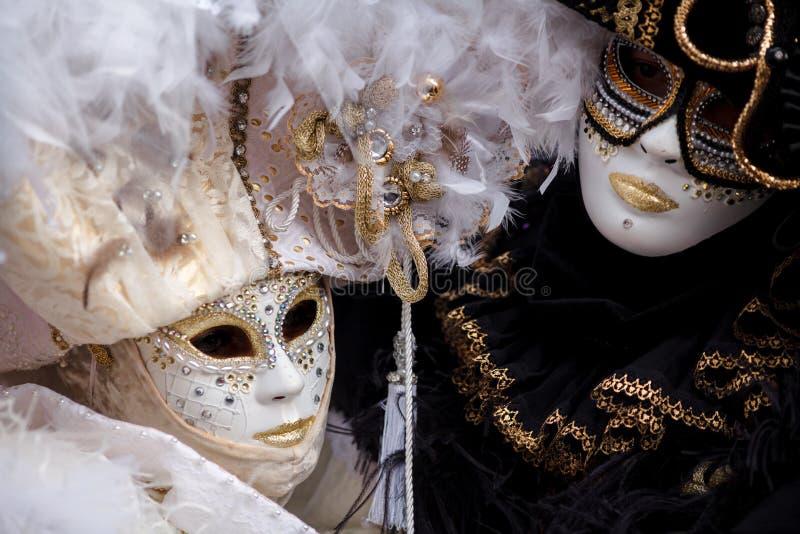 威尼斯,意大利,威尼斯狂欢节,在圣马可广场的美好的面具 免版税库存照片