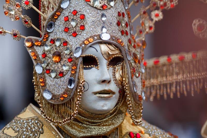 威尼斯,意大利,威尼斯狂欢节,在圣马可广场的美好的面具 免版税库存图片