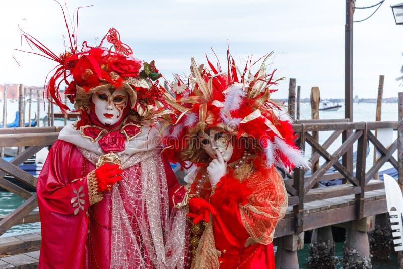 威尼斯,意大利,威尼斯狂欢节,在圣马可广场的美好的面具 免版税图库摄影