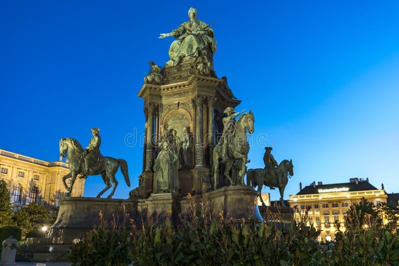 对女皇玛丽亚・特蕾西亚的纪念碑在玛丽亚・特蕾西亚广场 维也纳 奥地利 库存图片