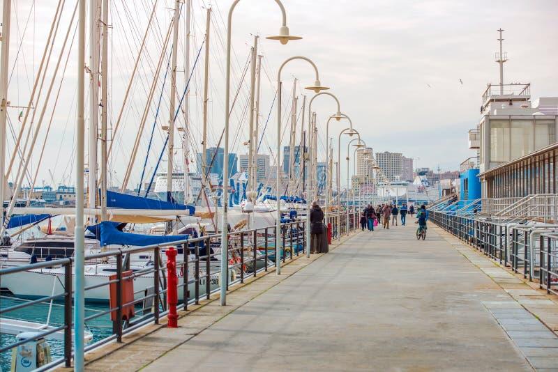 小游艇船坞在热那亚意大利 免版税库存照片