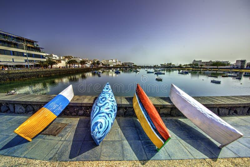 小船五颜六色的捕鱼 免版税图库摄影