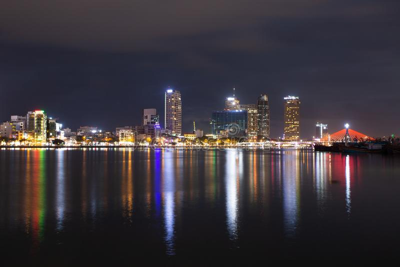 岘港市夜视图  库存图片