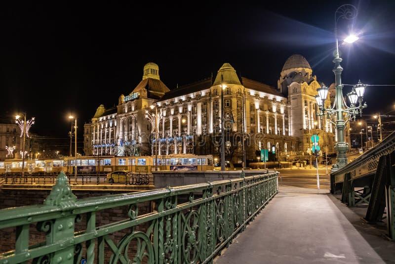 布达佩斯盖勒特旅馆,匈牙利夜视图  库存照片