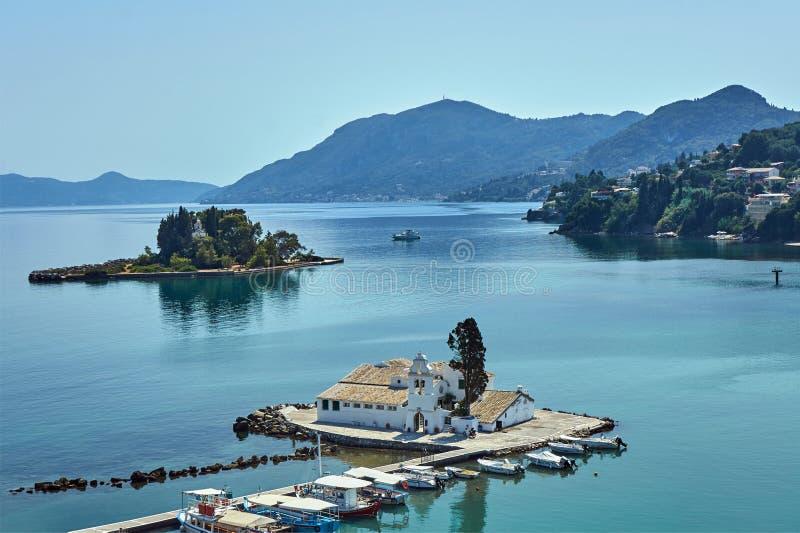 帕纳贾Vlacherna修道院在科孚岛海岛上的  免版税库存照片