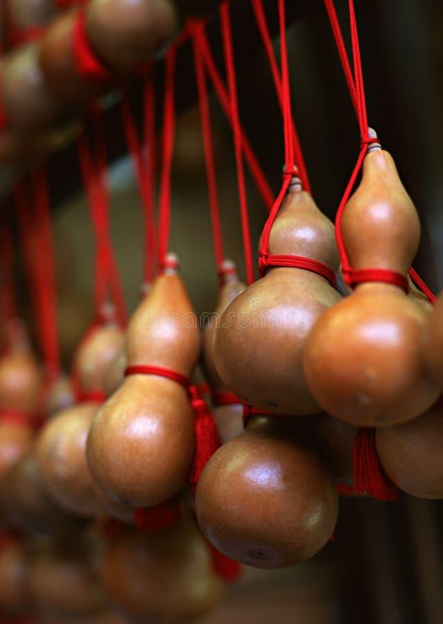幸运的金瓜hyoutan待售在日本背景中 免版税库存照片