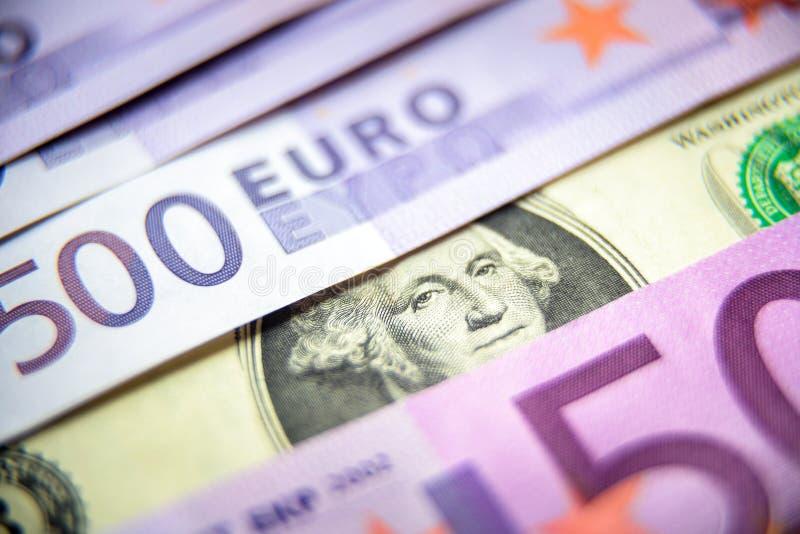 500张欧元金钱钞票对1美元 图库摄影