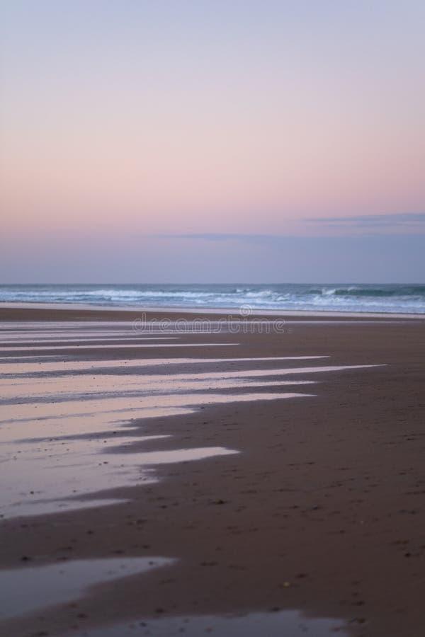 德西迪Kaouki,摩洛哥,非洲海岸  风险轻率冒险日落时间 美妙摩洛哥的海浪镇 库存图片