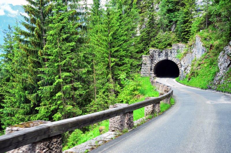 往Kehlsteinhaus的美丽的路通过隧道,巴伐利亚 库存照片