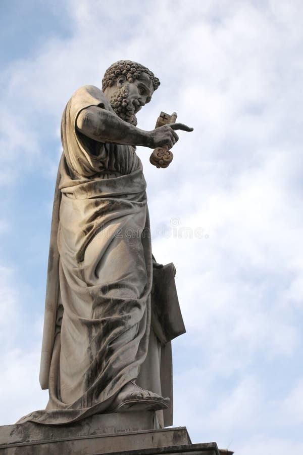 圣彼得和钥匙庄严雕象有一个长的胡子的在的 免版税库存图片