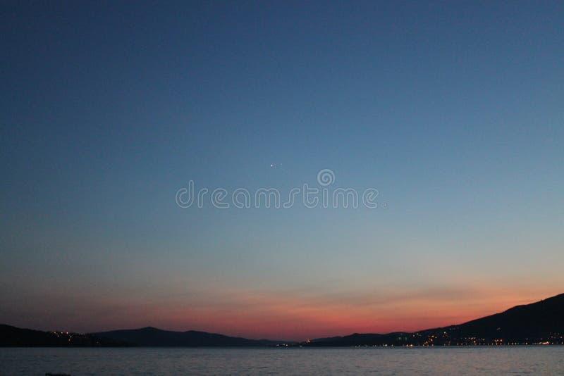 在亚得里亚海的日落在克罗地亚 库存照片